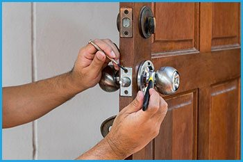 Lock Locksmith Services Arlington, TX 817-357-4845